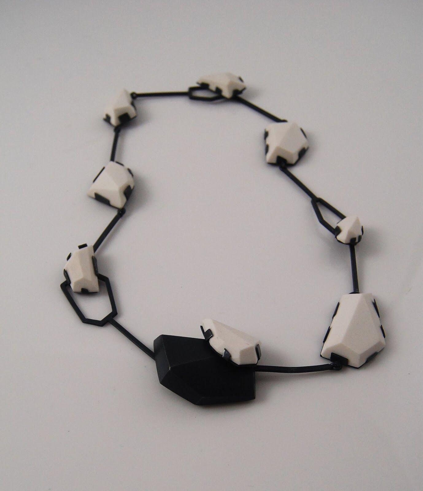necklace.porcelain,+s.s.