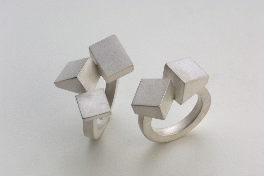Isometric formations